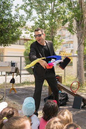phantasmagoric: Magic show with Tristan at a kids party.