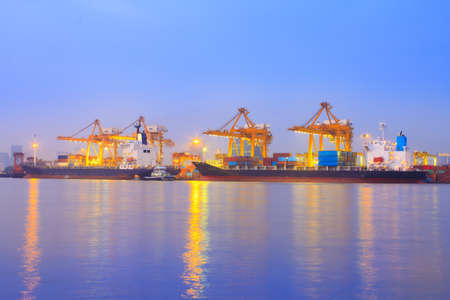 catchy: container port terminal, sunrise - catchy colors