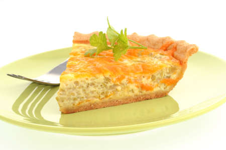 Slice of homemade broccoli and cheese quiche. Imagens - 3336398