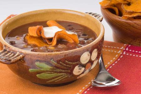 自家製スパイシー黒豆スープのボウル。