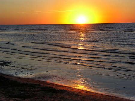Puesta del sol del Océano Báltico, Letonia Jurmula playa  Foto de archivo - 2781177