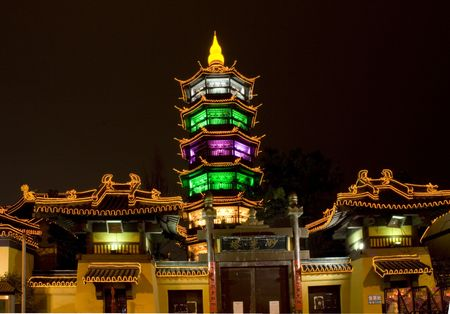 jiangsu: Taoist Temple in the middle of Wuxi City, Jiangsu Province, China