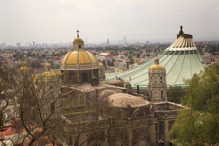 vierge marie: Ancien et le Nouveau basiliques, le Sanctuaire de Guadalupe, Mexico City C'est l'endroit o� la Vierge Marie est apparue � l'Indien Juan Diego paysanne en 1531.