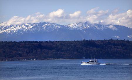 edmonds: Motor Yacht, Puget Sound, Edmonds, Washington, snow, snowy, Olympic, Mountains, Snohomish, County