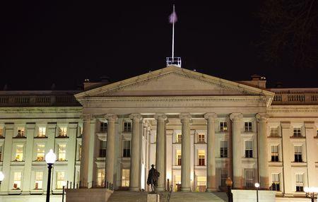 alexander hamilton: Dipartimento del Tesoro americano Alexander Hamilton Statua Reinvia Washington DC - In risposta alle osservazioni da parte di revisori hanno ulteriormente trasformato l'immagine per ridurre il rumore, affinare la messa a fuoco e regolare l'illuminazione.