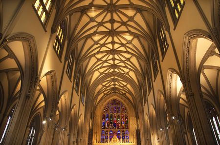 cirkelboog: Trinity Church in New York City Inside Stained Glass Arches