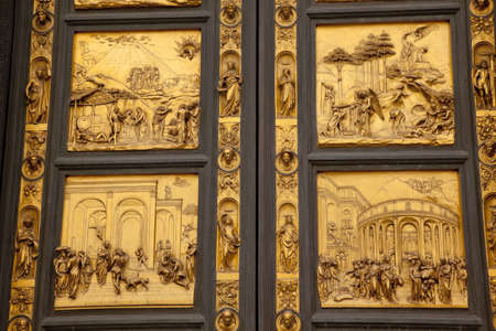 Ghiberti Paradise Bapistery Bronze Door Duomo Cathedral Florence Italy Door case in the 1400s. 스톡 콘텐츠