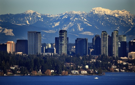 Bellevue Lake Washingtonn, Snowy Cascade Mountains Seattle Washington State Pacific Northwest Stock Photo - 8678981