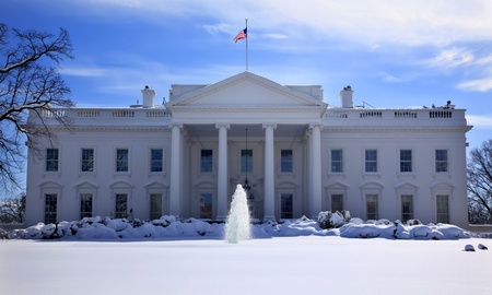Flaga Fountain białego domu po śniegu Pennsylvania Ave Washington DC