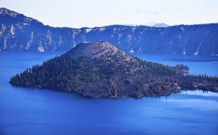 Crater Lake Wizard Island Blue Sky Oregon Pacific Northwest Stock Photo - 10818788