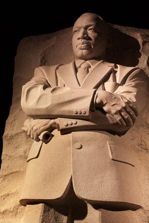 Martin Luther King Jr Pomnik Statua Noc Washington DC jest rzeźbiarz Lei Yixin