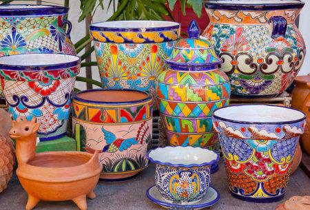 Mexikanische Töpfe und Dekorationen Old San Diego Stadt California Standard-Bild - 13860562