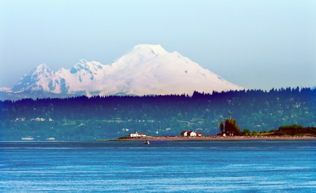 mount baker: Mount Baker Puget Sound Snow Mountains LIghthouse Washington State Pacific Northwest Stock Photo