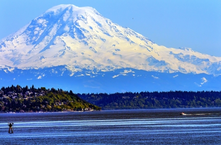 puget sound: Mount Rainier Puget Sound North Seattle Snow Mountain Channel Marker Stato di Washington Pacific Northwest Archivio Fotografico