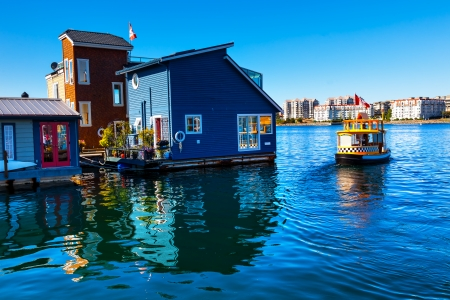 Floating Home Village Blue Houseboats Water Taxi Fisherman Foto de archivo
