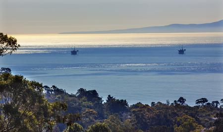 油もプラットフォーム朝太平洋 Oecan ビュー東山道チャネル諸島カリフォルニア サンタ ・ バーバラ
