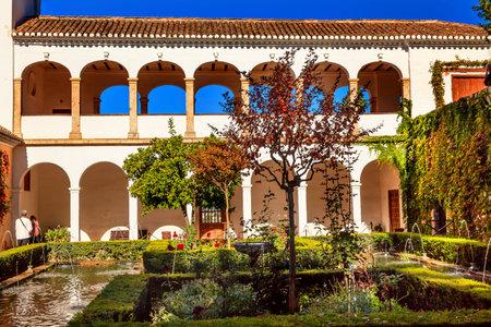 naranja arbol: Generallife Alhambra White Palace Orange Tree Garden Granada Andaluc�a Espa�a Editorial