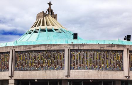 guarder�a: Nueva Bas�lica guarder�a de Navidad el Santuario de Guadalupe M�xico Ciudad de M�xico. Foto de archivo