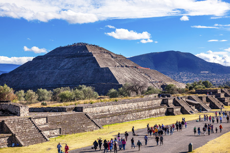 pyramid: Avenue of Dead and Sun Pyramid, Temple of Sun Teotihuacan, Mexico
