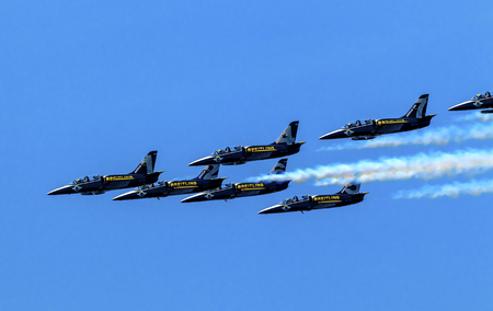 jets: Breitlings Jets aiirplanes In Formation Fying Over Seattle Washington