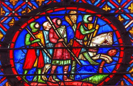 기사 말 중세 생활 스테인드 글라스 세인트 샤 펠 파리 (미국)입니다. 세인트 루이스 9 세는 1248 년에 셍트 샤펠 (Sainte Chapelle)을 창안하여