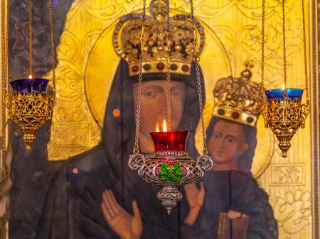 Incense Burners Madonna Icon Saint Nicholas Church Askold's Grave Kiev Ukraine. Ukrainian Greek Catholic Church created 1810.  Askold's Graveyard has many famous Ukrainians buried there. 新聞圖片