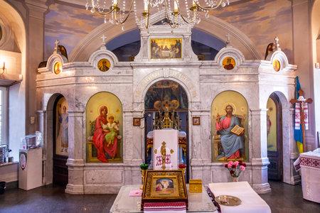 AltarIcons Interior Church Saint Nicholas Askolds Grave Kiev Ukraine. Ukrainian Greek Catholic Church created 1810.  Askolds Graveyard has many famous Ukrainians buried there. 新聞圖片