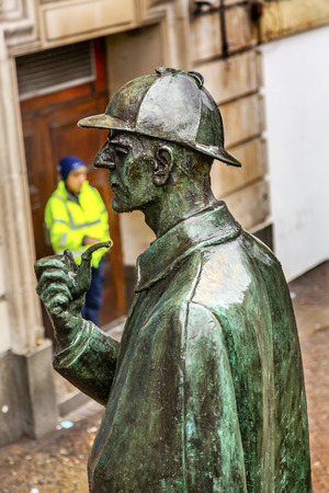 Sherlock Holmes Statue Baker Street Metro Subway Station London England.  Sculpted by John Doubleday and unveiled in 1999 outside Baker Street Subway Station. Editorial