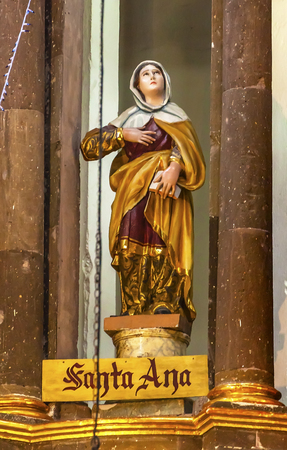 catholic nuns: Saint Anne Anna Statue Marys Mother, Jesus Grandmother Convent Immaculate Conception The Nuns San Miguel de Allende, Mexico. Convent of Immaculate Conception was created in 1754. Stock Photo