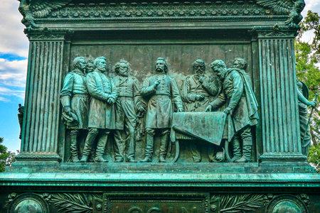 ganado: General John Logan Discutiendo Estatua Memorial Guerra Civil Estatua Logan Circle Washington DC. Estatua dedicada en 1901, los escultores Franklin Simmons y Richard Hunt. Logan estuvo cerca de US Grant, promovido a general de brigada en Fort Donelson, ganó el Cong Editorial