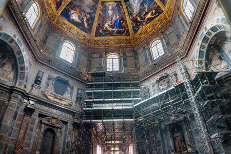 Crucifixion Painting Dome Tombs Construction San Lorenzo Medici Church Florence Tuscany Italy. Family Church  Medici Family Archivio Fotografico - 115765047