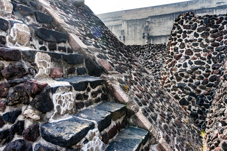 Ancient Aztec Stone Steps Ruins Steps Templo Mayor Mexico City Mexico. Great Aztec Temple created from 1325 to 1521 when Cortez destroyed Aztec temple Foto de archivo - 120500360