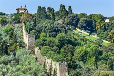 Stone City Wall Green Countryside House Florence Tuscany Italy 免版税图像