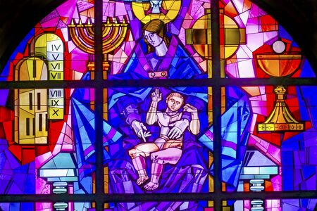 Mary Stained Glass Rose Windown Basilica Santa Maria Maggiore Rome Italy. One of 4 Papal basilicas, built 422-432. Stained Glass by Giovanni Hajnal 1991 Redactioneel