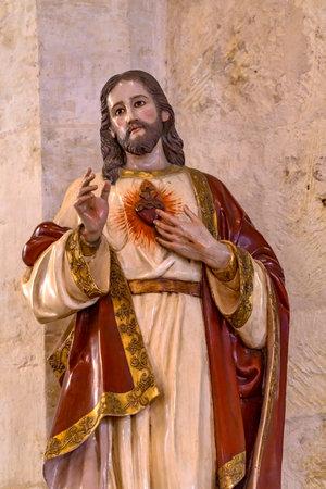 Jésus-Christ Sacré-Cœur Son Amour Statue Cathédrale San Fernando San Antonio Texas. Construit dans les années 1700. Éditoriale