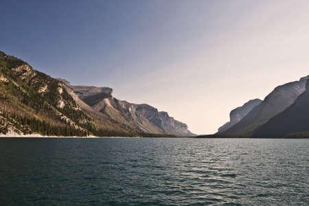 湖 Minnewanka - バンフ国立公園 - アルバータ