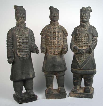terra: 3 terra cotta chinese warriors