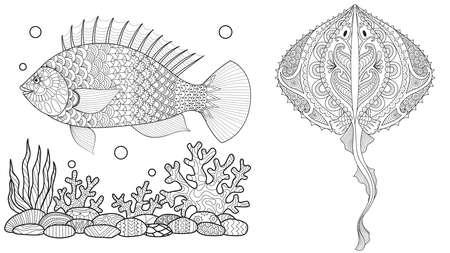 Page de coloriage pour livre de coloriage pour adultes. Monde sous-marin avec banc de raies, poissons tropicaux et plantes océaniques. Dessin de croquis à main levée anti-stress avec doodle