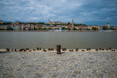 danuba: Jewish memorial shoes near the Danube in Budapest