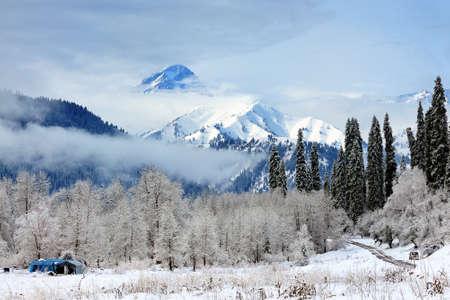 xinjiang: paysages de neige de la langue kurde Ning, le Xinjiang Banque d'images