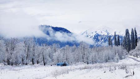 xinjiang: Paysage de neige dans le Xinjiang