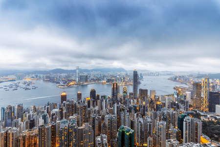 ビクトリア ・ ハーバーを見渡せる香港太平山 写真素材