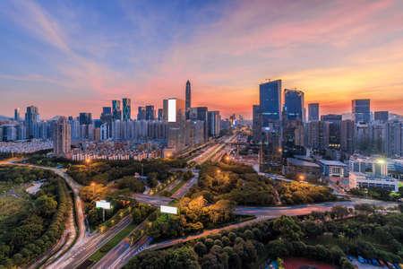 Las carreteras y el horizonte de Shenzhen