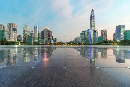 publicidad exterior: No hay gente en el centro de Shenzhen