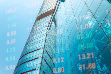 Moderne Finanzarchitektur und digitaler Finanzmarkt Standard-Bild - 98959704