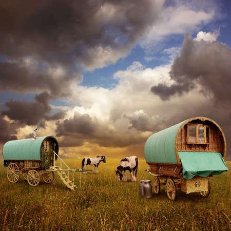 zigeunerin: Alte Gypsy Caravans, Anh�nger, Wagen mit Pferden