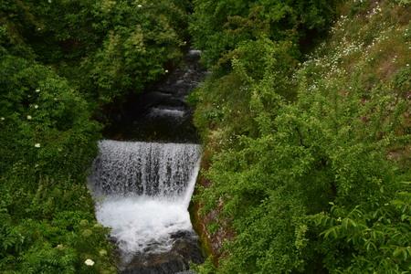 Waterval in het Bosnische platteland