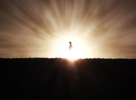alabanza: Silueta de la mujer en la puesta del sol