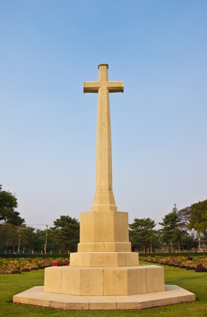 the rood monument of war cemetery
