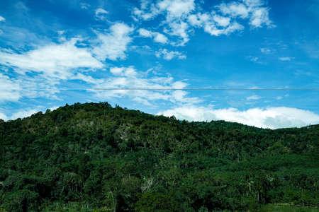 Mountain green hill range a clouds panoramic landscape 版權商用圖片
